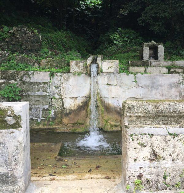 垣花樋川(かきのはなひーじゃー)